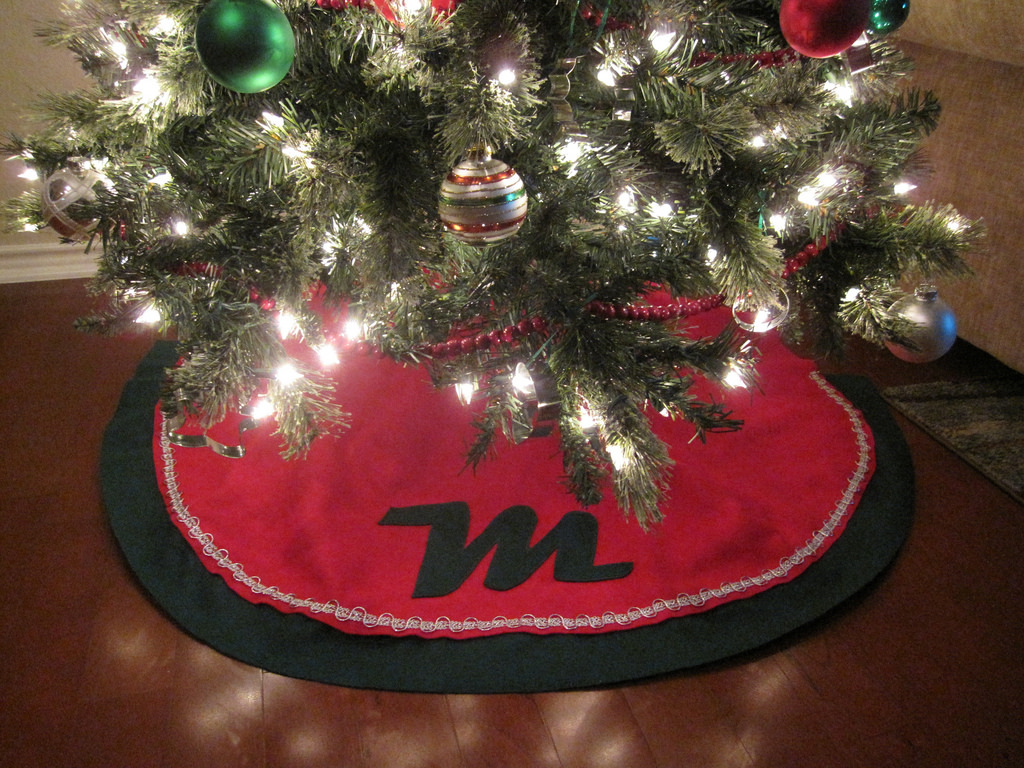 How To Clean A Christmas Tree Skirt